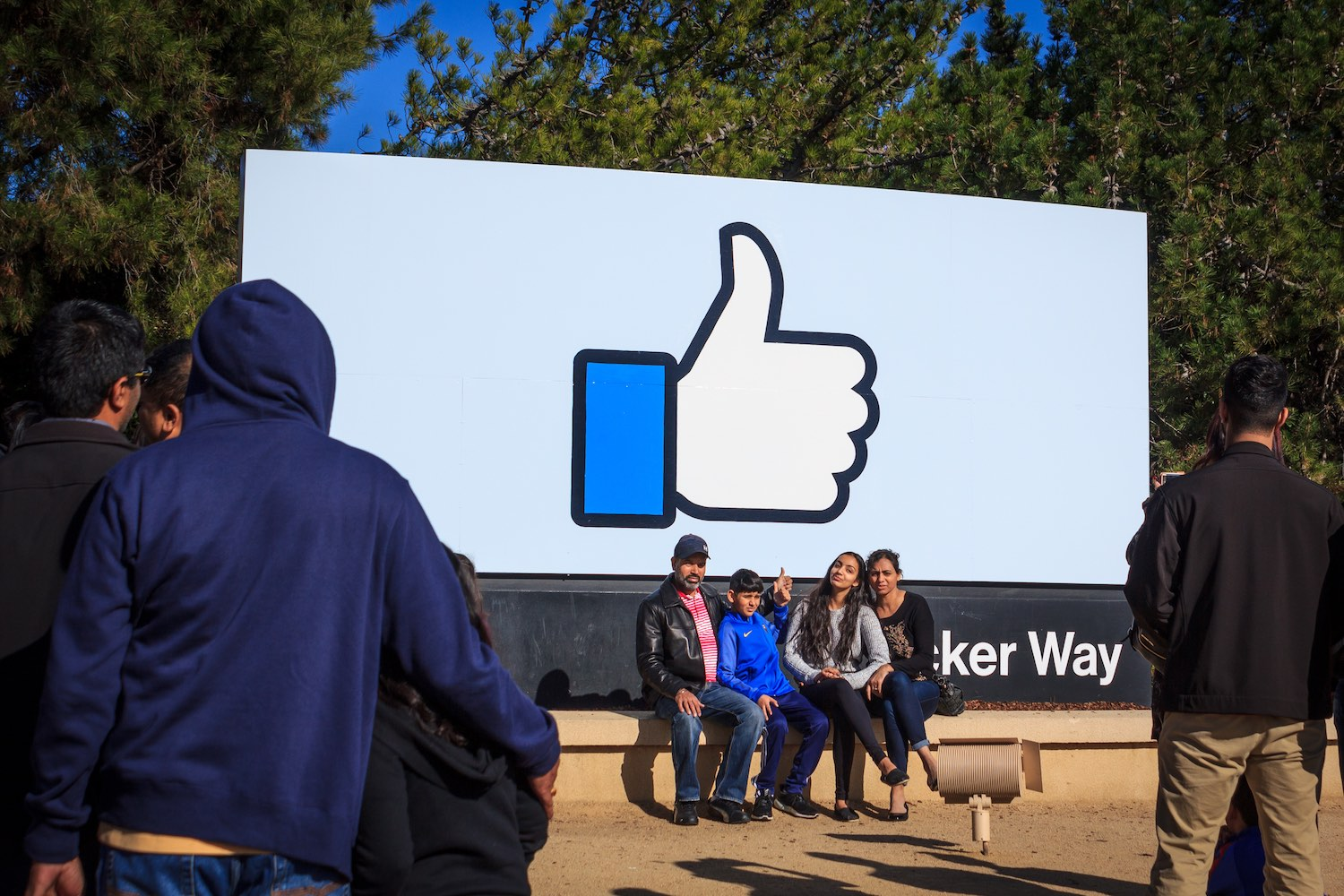 Facebook Blockchain Job Openings Top 20 Amid Staffing Spree